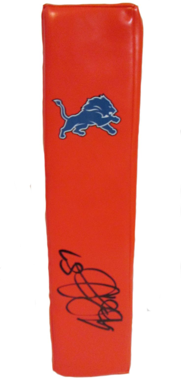 Brandon Pettigrew signed Detroit Lions Rawlings football touchdown end zone pylon w/ proof photo.  Proof photo of Brandon signing will be included with your purchase along with a COA issued from Southwestconnection-Memorabilia, guaranteeing the item to pass authentication services from PSA/DNA or JSA. Free USPS shipping. www.AutographedwithProof.com is your one stop for autographed collectibles from Detroit sports teams. Check back with us often, as we are always obtaining new items.