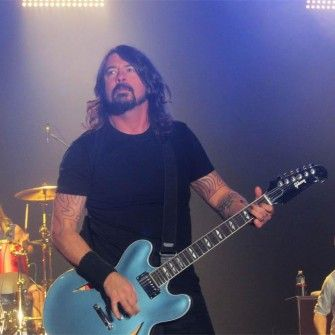 Dave Grohl injury - Foo Fighter's reschedule three UK gigs for September