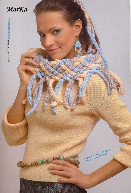 Bufanda con tiras de tricotín trenzado
