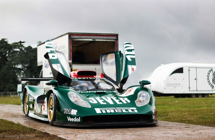 Porsche 966 this porsche raced at the 1998 le man