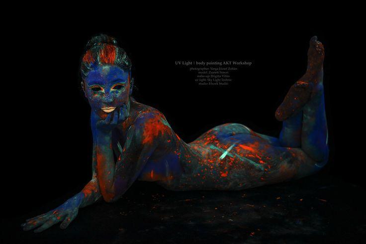 UV light Body Painting Akt Workshop   Jelentkez!!! http://mipillanat.hu/uv-workshop/iii-uv-workshop  #VARGA #uv #uvlight #workshop #fotozas #paint #testfestés #nude #akt #neon #comingsoon #color #blacklight #creative #weekend #neonpaint #insta #instagram #instaphoto #girl #girls #face #fluor #neonlights #mipillanat #ultraviolet #sexy #uvmakeup #portrait #portré #arc #face #BodyPaintMagazine #Art #BodyArt #BodyPaint #Model #Photography #BodyPainting #Link #Photo #Artist #eBook #PinBook…