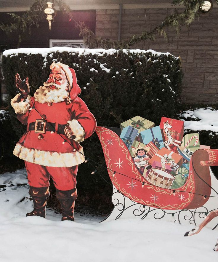 Mike makes a U-Bild Santa and reindeer lawn display from scratch - vintage plans still available today - Retro Renovation