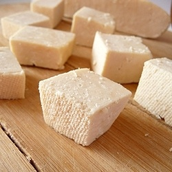 A step-by-step tutorial on how to make paneer (indian cheese)!
