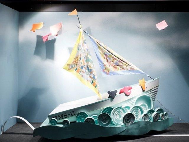 best 25 shop windows ideas on pinterest display window window displays and visual display. Black Bedroom Furniture Sets. Home Design Ideas
