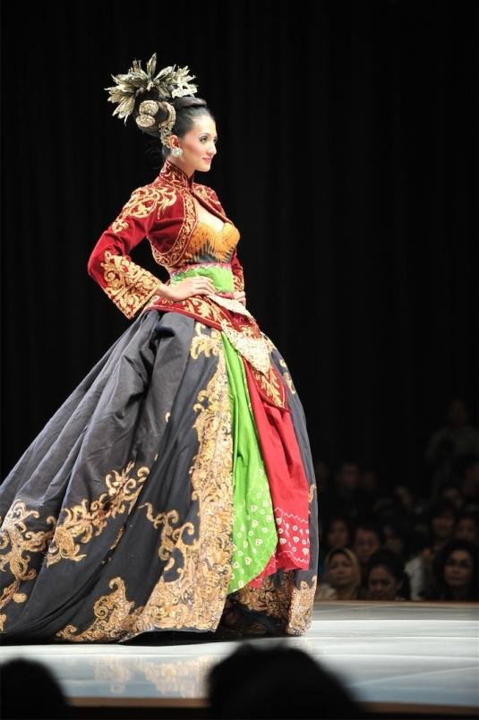 Batik Kebaya Indonesia