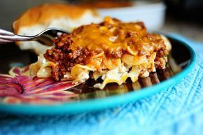 Sour Cream Noodle Bake ~ Easy recipe with pantry ingredients & ground beef. Brown & drain 1¼ lb ground chuck. Add 15 oz tomato sauce, ½ teaspoon salt, black pepper, & let simmer. Cook 8 oz med. egg noodles al dente. To noodles stir in ¼ cup sour cream, 1¼ cup small curd cottage cheese, & ¼ cup sliced green onions (or to taste). Add half of noodles to baking dish. Top with half meat mixture, sprinkle on half the grated cheddar. Repeat layers. Bake at 350° for 20 min.