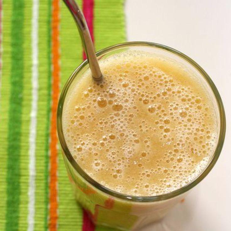 Bevanda perfetta per fare un pieno di energie, ottima sia per cominciare la giornata che prima dell'allenamento. (Ricetta di Eliana Albertini)