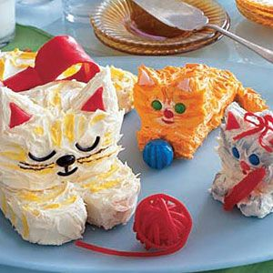 Mom Cat and Kitten Cakes - Woman's Day