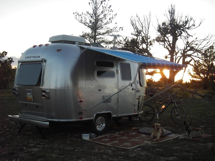 1000 images about bambi airstream on pinterest vintage airstream campers and airstream sport. Black Bedroom Furniture Sets. Home Design Ideas