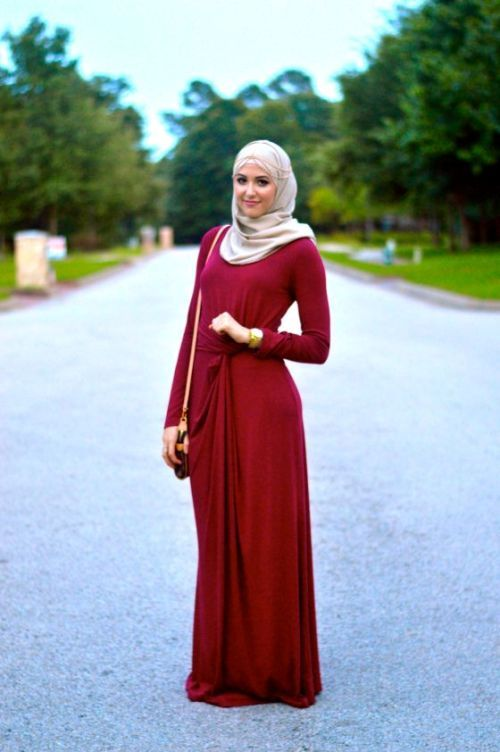 red maxi dress hijab style, Classy hijab outfits http://www.justtrendygirls.com/classy-hijab-outfits/
