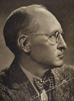 Runoilija Aaro Hellaakoski (1893-1952).