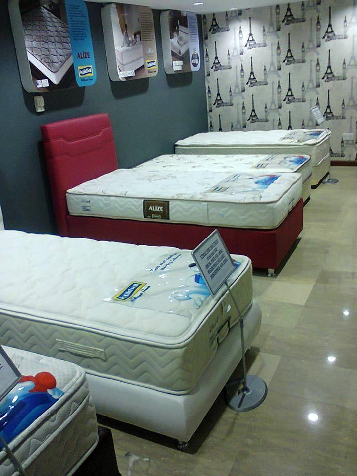 mattress display