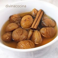Estas castañas en almíbar son muy fáciles de preparar y se conservan mucho tiempo en su propio almíbar en un recipiente hermé