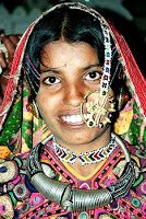 Tribal silver jewelry is also showcased by the state of Andhra Pradesh. The elegant style of jewelry like hairpins, bangles, earrings, necklaces resemble Mughal traditional ornaments. The tribal coin necklace is exclusive; the belts, chains and the metal work of Bidar, where silver is inlaid on black metal, depicts the artistry of indigenous tribes.