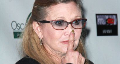 Expert' Carrie Fisher says Trump's sniffles are 'ABSOLUTELY' a sign of cocaine use...takes one to know one, doesn't it Donald.