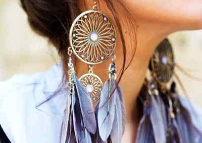 Fabriquer des bijoux en plumes