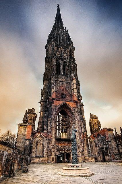 St. Nikolai, Hamburg Germany via flickr