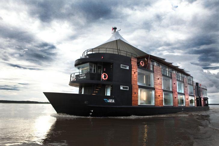 Amazon Nehri'nin üzerinde uyuyup, uyanmak. Daha eşsiz bir konaklama düşünülemez. Peru'daki bu yüzen oteli mutlaka görmelisiniz.