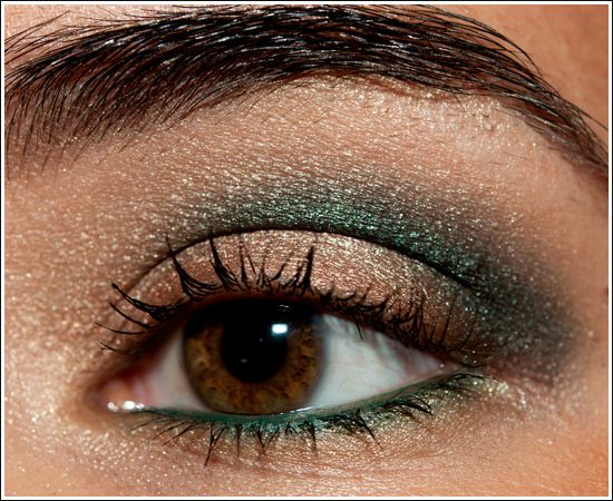 Copper and green go together so nicely: Green Eyeshadow, Brown Eyes, Make Up, Eye Makeup, Eye Shadows, Beautiful, Hazel Eye, Nails, Eyeshadows