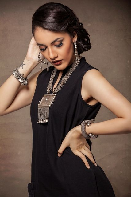 #tribal #craft #jewellery #curated #silver #accessories #necklaces #bracelets #earrings #Fabindia #bold #chunky #statement