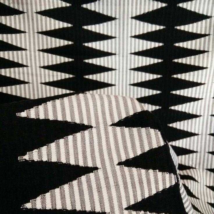 Songket Rangrang Hitam Putih (original, handmade)  Harga: 630,000 Softopening disc. 10% untuk pemesanan melalui Line@ hingga 15 Okt 2015 Ukuran: +- 2 x 1 m  Bisa digunakan untuk kain kebaya atau outwear DIY  Kontak (pilih salah satu): Line@: @gaa2672a whatsapp: 081339870092