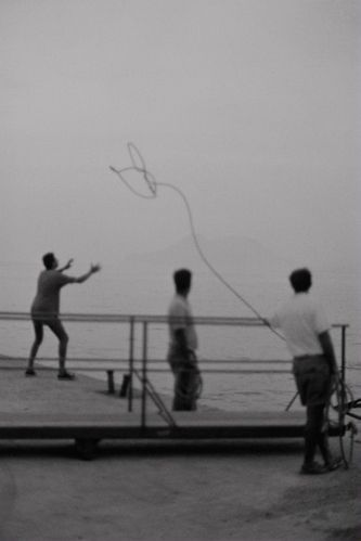 "Bernard Plossu ""Filicudi, Italie, 1988"" Tirage argentique 24cm x 30cm"