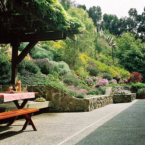 38 Homes That Turned Their Front Lawns Into Beautiful: 17 Best Ideas About Sloped Garden On Pinterest