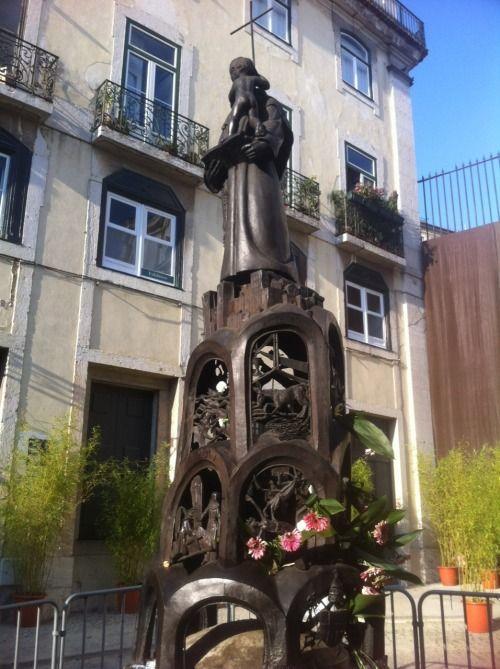 Santo António, padroeiro de Lisboa.