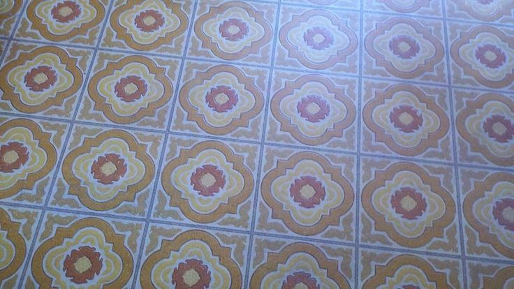 I cleaned my linoleum floor using a recipe from Pinterest and the dirt and grime came right up! Hardly any scrubbing required:  ¼ cup white vinegar 1 tablespoon liquid dish soap ¼ cup baking soda 2 gallons tap water, very warm