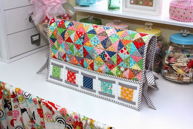 Lori Holt @ Bee In My Bonnet. This is a sewing machine & a sewing mat/supply holder. Love it!