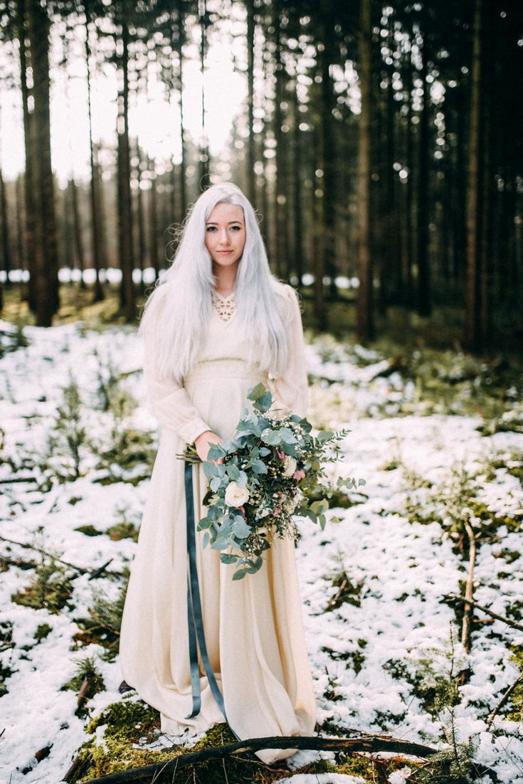snowy-elopement-inspiration-romy-dermout-photography-38