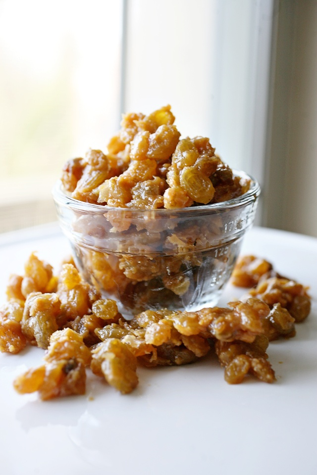 Yogurt Covered Raisin Clusters - will be making these tonight to snack on tomorrow!!