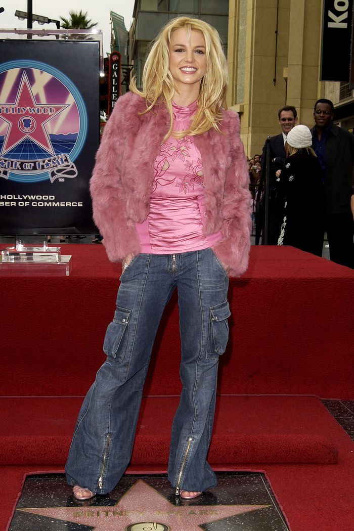 The 2000s Fashion Trends Everyone Will Wear This Year 2000s Fashion Trends 2000s Trends 2000s Fashion