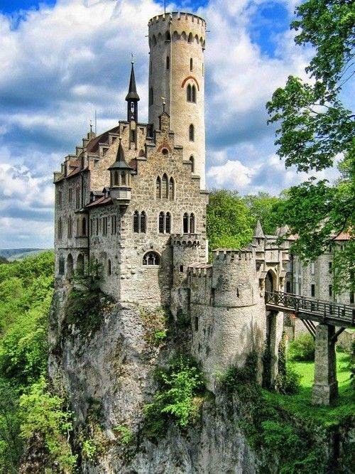 Lichtenstein Castle, Baden-Wurttemburg, Germany... Where my Ruthardt family comes from!