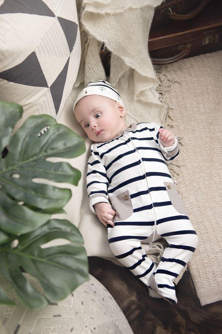Li'l Zippers: Baby Gift Idea 2way Zip Romper With Fold Over Mittens & Feet Navy Blue/Cream Stripe 95% Cotton 5% Elastane