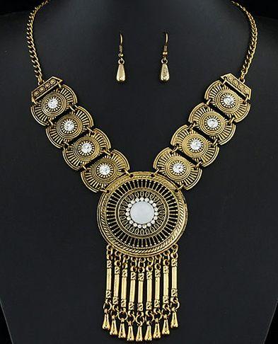 http://www.goedkopesieraden.net/Statement-sieraden-set-brons-met-witte-steentjes