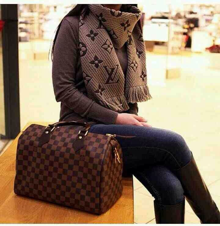 I heart Luis Vuitton | très chic | LV scarf | LV doctor bag | fall/winter accessories
