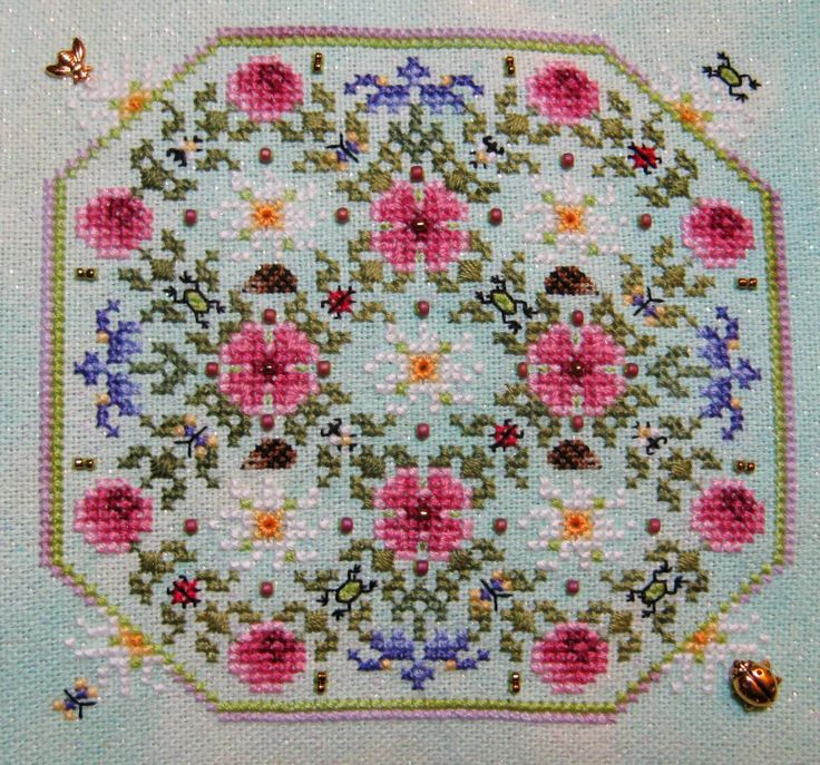 StitchinKat's Pawprints Blog: March Just Nan flowers!