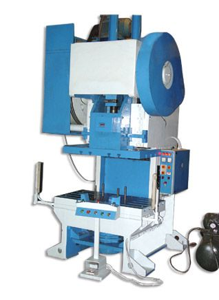2540 x 10 mm cutting capacity of Over crank shearing machine,  Model -JSOS-12,  Make- Jay shakti, Stroke -20 per minute Check for best price@http://www.steelsparrow.com/machine-tools/pneumatic-power-brakes/over-crank-shearing-machines-en.html Enquiry: info@steelsparrow.com