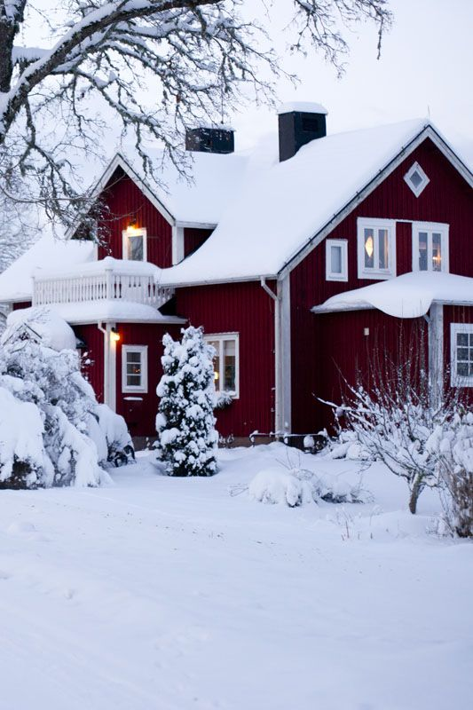 Red wooden house ♡ Scandinavian style ♡