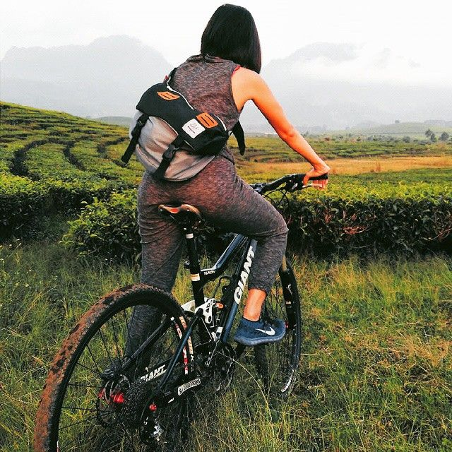 Happy weekend....don't forget to take a vacation, cycling with Cub Traveler Messenger Bag is such as the best and healthy vacation on your weekend, #messengerbag #cub #cubtraveler #weekend #vacation #cycling #traveling #traveler #exploreindonesia #mountain #plantation #bags #outdoors #products