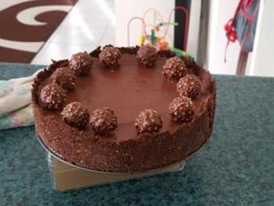 Cheesecake ψυγείου με Nutella και Ferrero Rocher με 6 υλικά, σε 15 λ