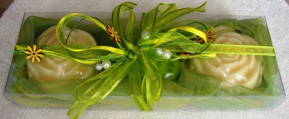 New and fresh idea for a unique gift for father's day: a Lime and Cream Handmade Gift Set very nice decorated with 3 small Luxury Scented Soaps. From my etsy shop.