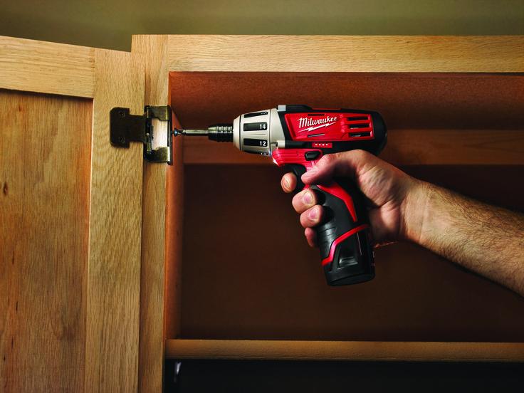 La herramienta inalámbrica te permite trabajar en espacios reducidos o complicados.