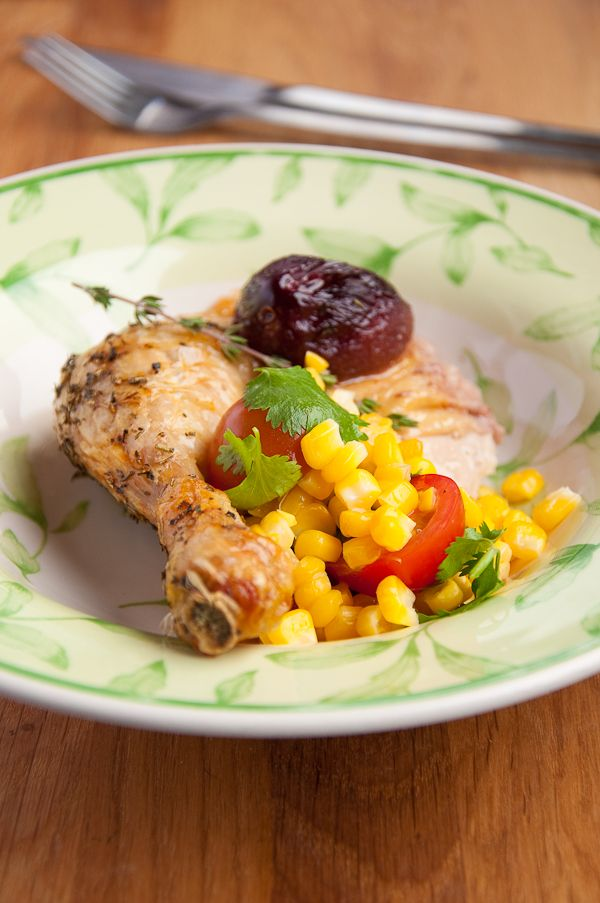 Курица с яблоками, сливой и кукурузной сальсой - Le petit terroir