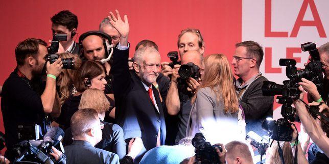 Jeremy Corbyn renforce son emprise sur le Labour et tourne la page du blairisme - Le Monde