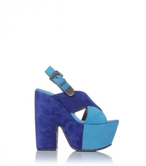 Baltus > AR$1,480 > Sandalia con tiras cruzadas combinadas. Sofía for SARKANY. RickySarkany.com