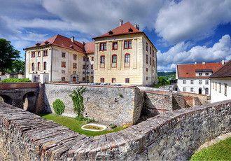 Exteriéry zámku - letní - Zámek Kunštát