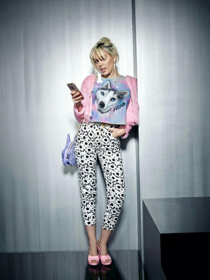 Miley Cyrus @kn0wy0u