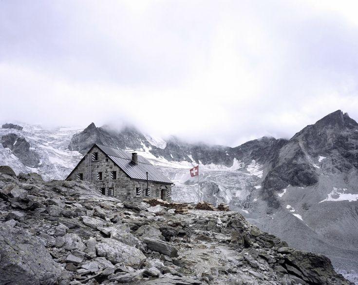 SWISS MOUNTAIN REFUGES